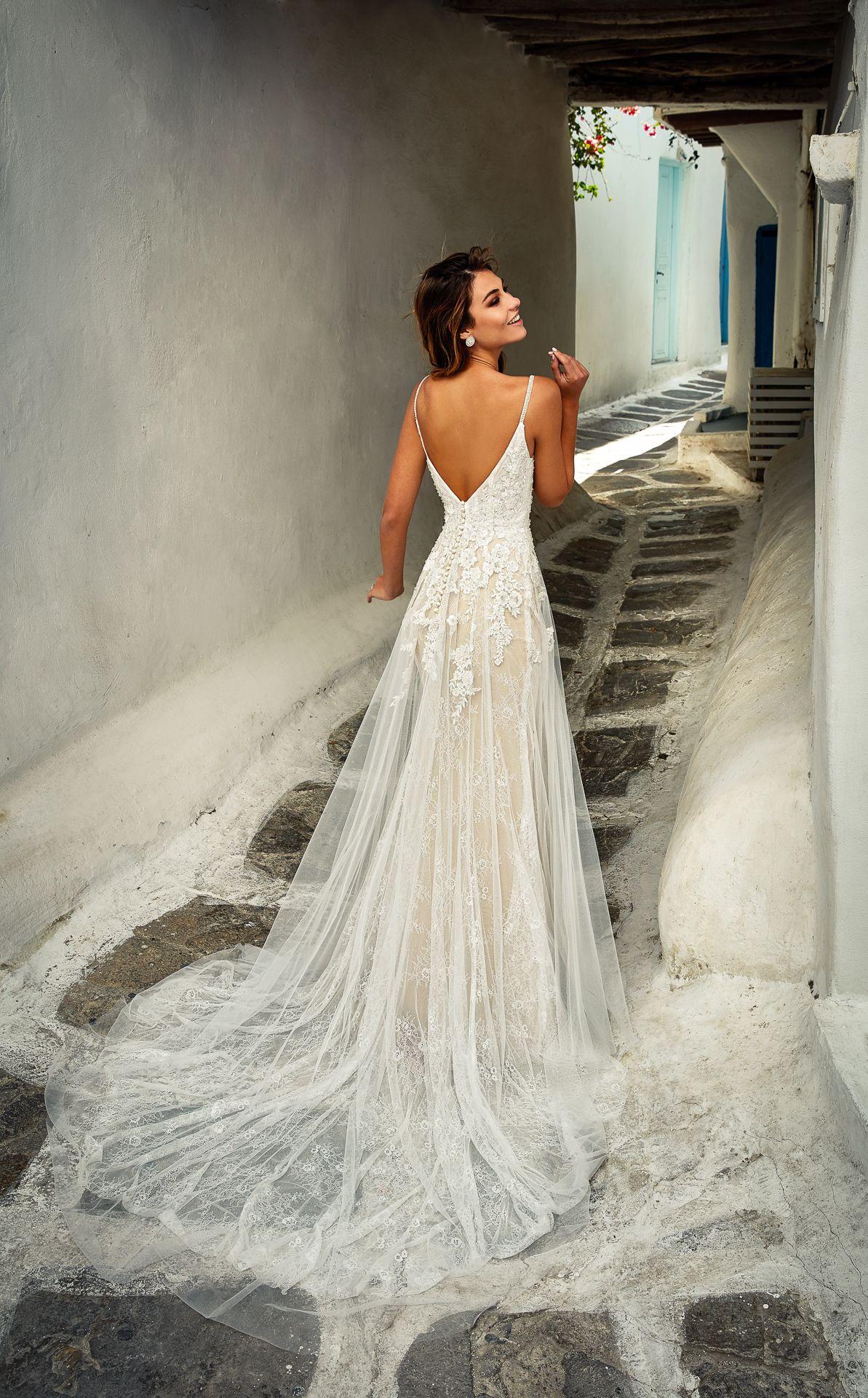 Ein Brautkleid der DREAMS Kollektion in 19  Kleider hochzeit