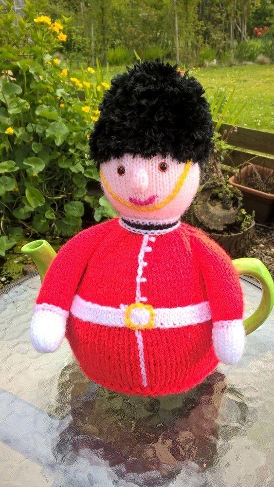 Guardsman Tea Cosy   knitting   Pinterest   Cubiertas para tetera de ...