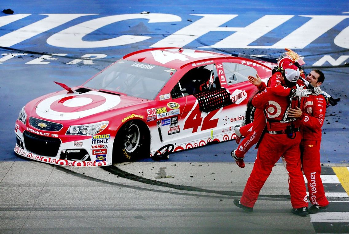 Kyle Larson gets his first ever Sprint Cup win at Michigan