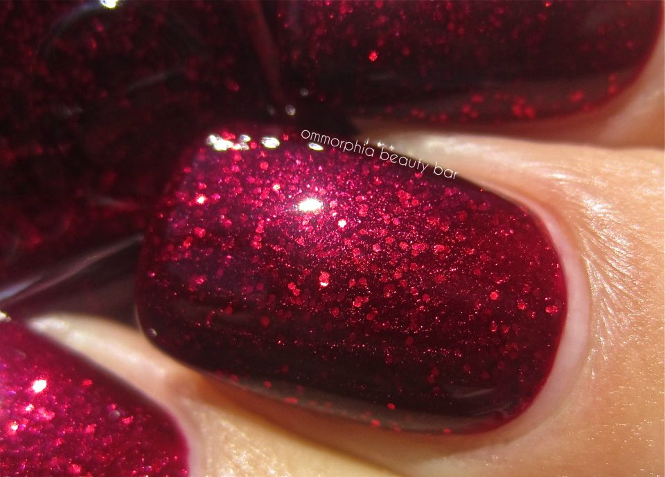 Essie Toggle To The Top swatch macro | Nails | Pinterest