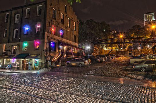 River Street In Savannah Georgia Saay Night Traffic Visiting S Restaurants And Bars