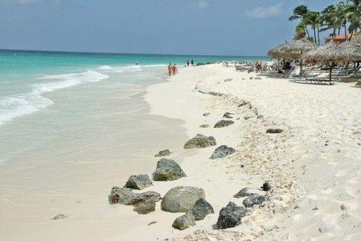 Un peu d'évasion dans ce monde de brutes... Vous, vous êtes Aruba ou Bali?Les 12 plus belles îles du monde | Le blog de voyage - eDreams