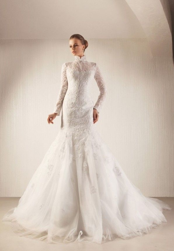 Am so glad the days of tube wedding gowns are finally over, gosh...it felt like torture for the past 2-3 yrs....this gorgeous gown, is a breath of fresh air....love love love it!