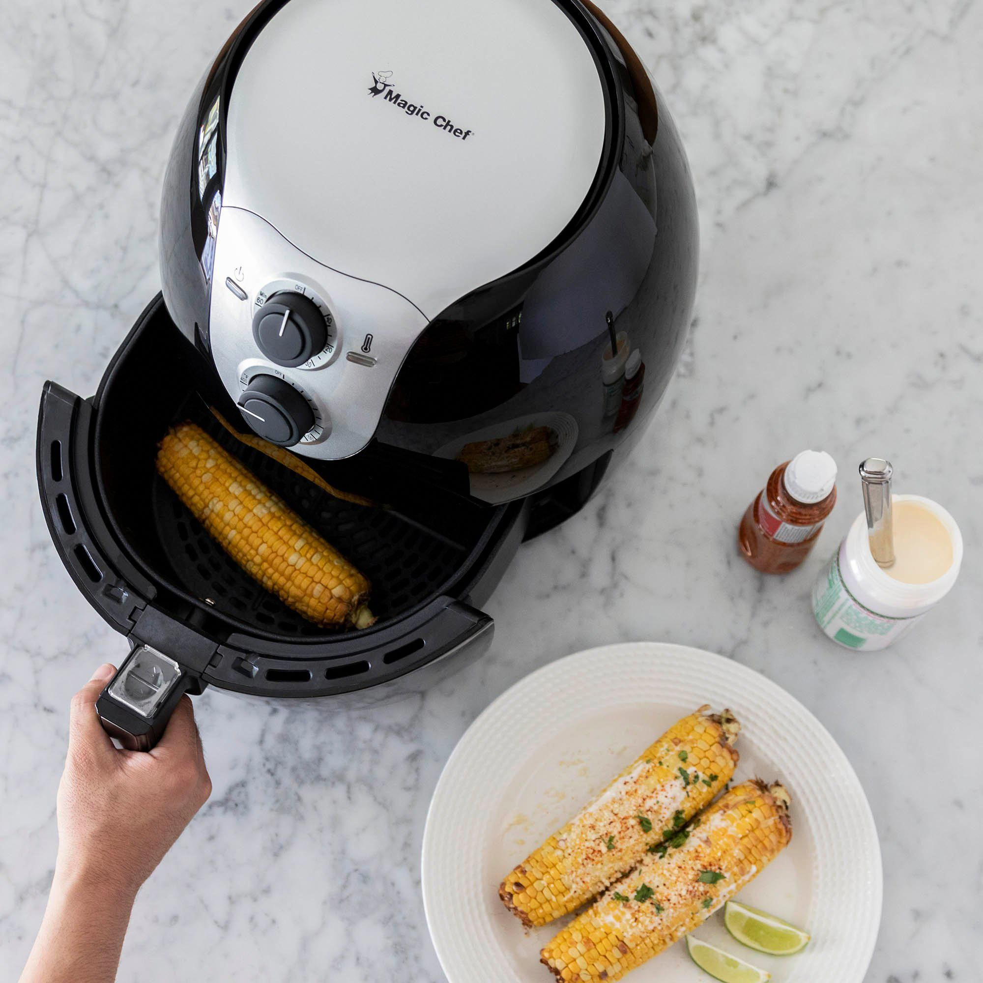 Magic Chef 5.6 Quart Black Manual Air Fryer Air fryer