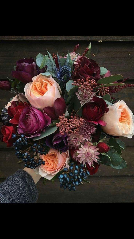 The perfect autumn bouquet  autumn bouquet  wedding dresses  30 budgetfriendly greenery Décor Ideas You Cant Miss  wedding dresses