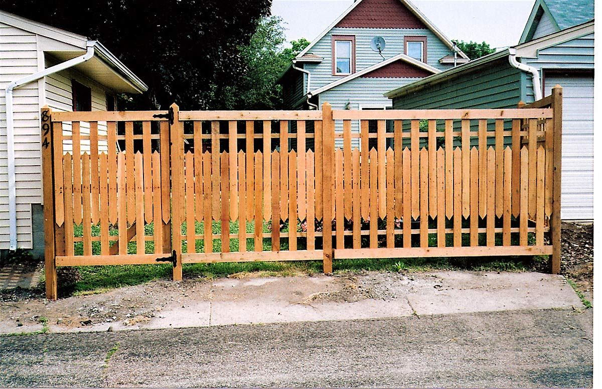 Looking for ideas to make a short decorative garden fence ...