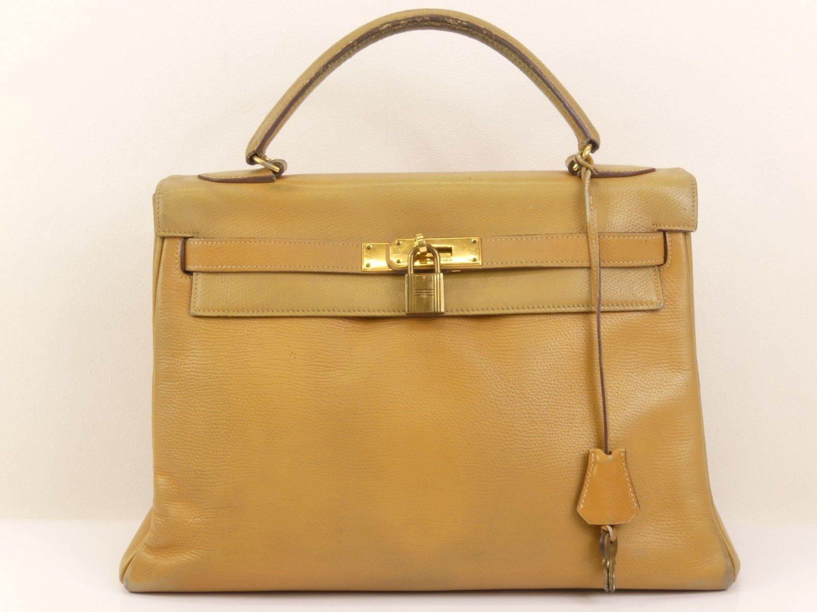 149e1eea9c35 rk553 Auth HERMES KELLY 32 In Stitch Natural Courchevel Leather Hand Bag oK  1981