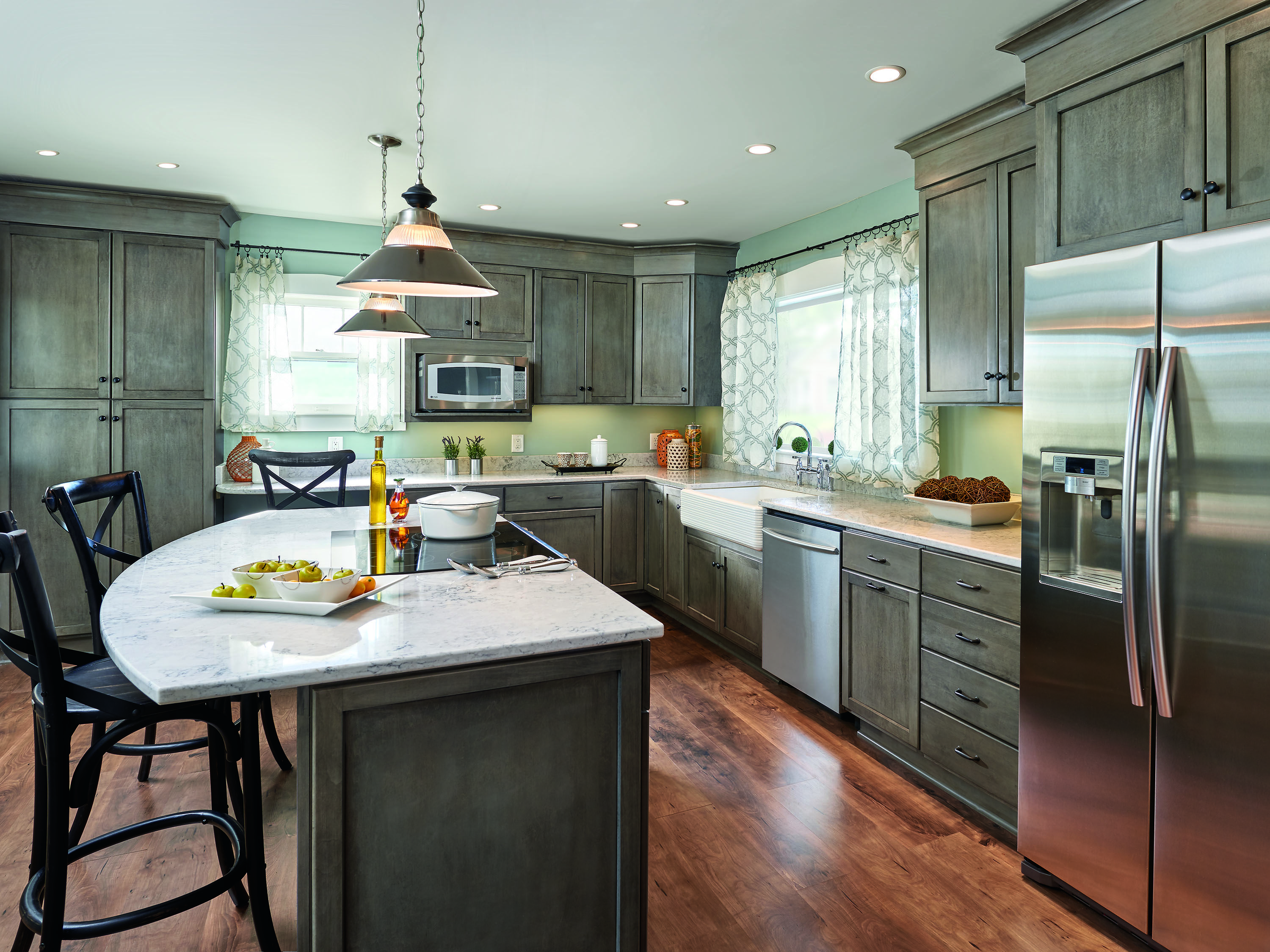 Haas Cabinet: Jamestown-V Maple in Bistro paint Submitted by ...