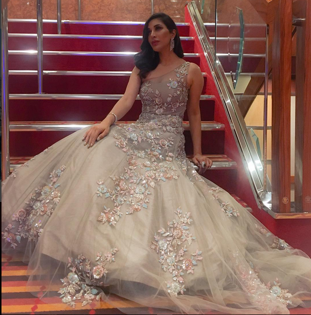 Sophie Choudry In A Beautiful Gown ,By Manish Malhotra | Gowns ...