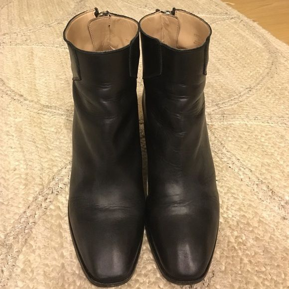 Zara Ankle Boots with Block Heel Genuine leather ankle boots with block heel, very comfortable, runs small, labeled size 10 but I wear size 9 or 40 at Zara and these fits me fine. Zara Shoes Ankle Boots & Booties