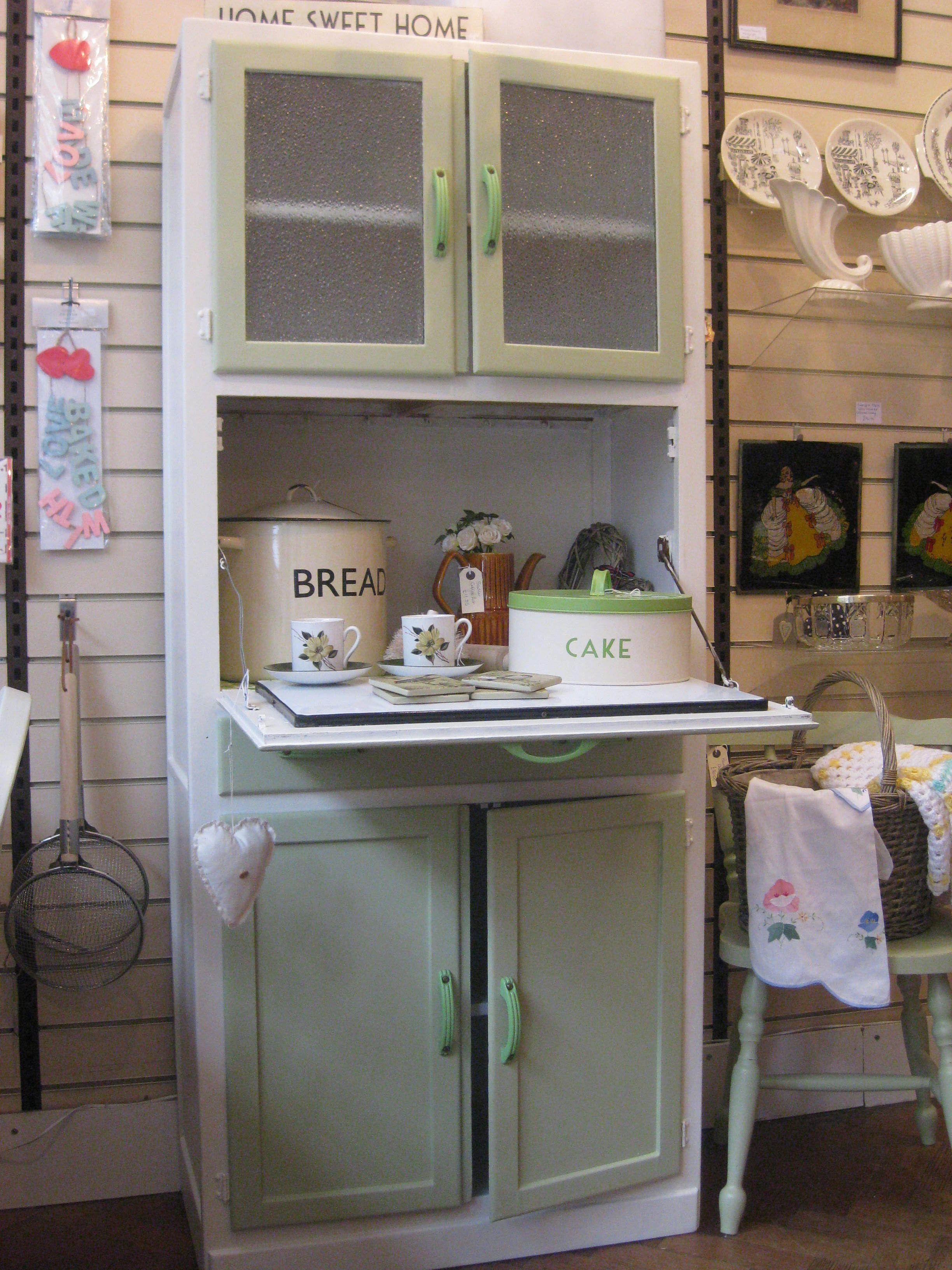 50\'s retro kitchen cabinet   50\'s Futuristic   Pinterest