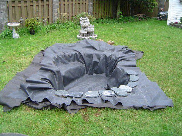 comment faire son propre bassin de jardin en quelques. Black Bedroom Furniture Sets. Home Design Ideas