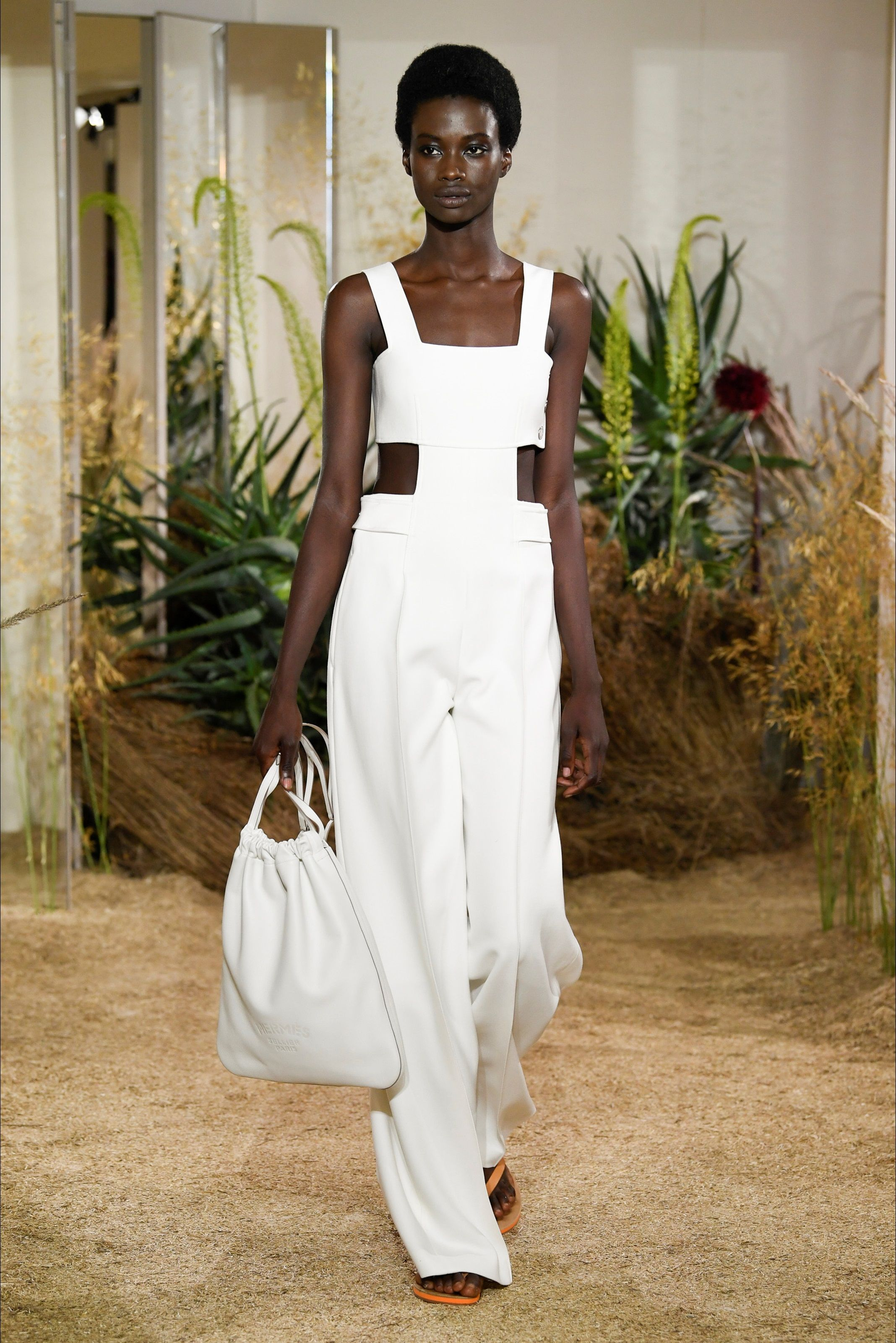 a8bad2ce033 Sfilata Hermès Parigi - Pre-collezioni Primavera Estate 2019 - Vogue ...