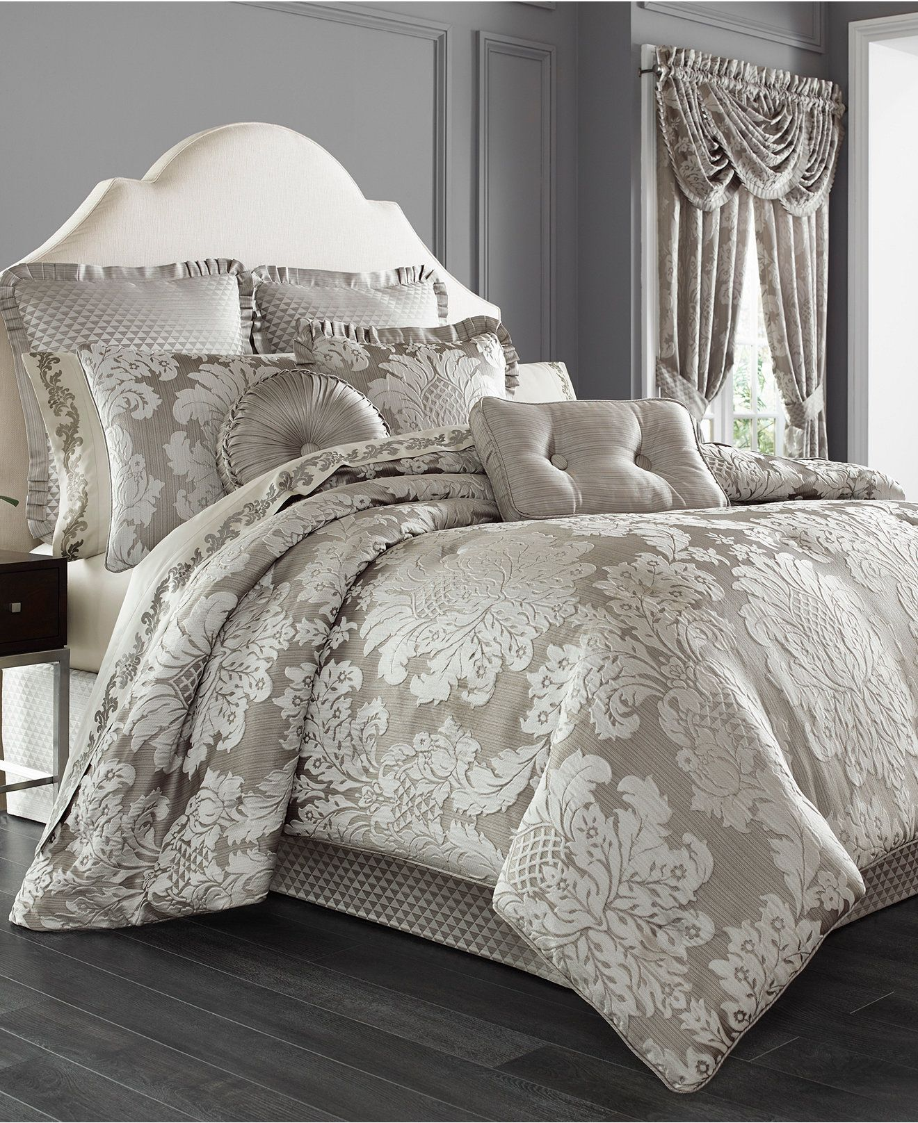 j queen new york chandelier 4pc bedding collection bedding collections bed u0026 - J Queen New York Bedding