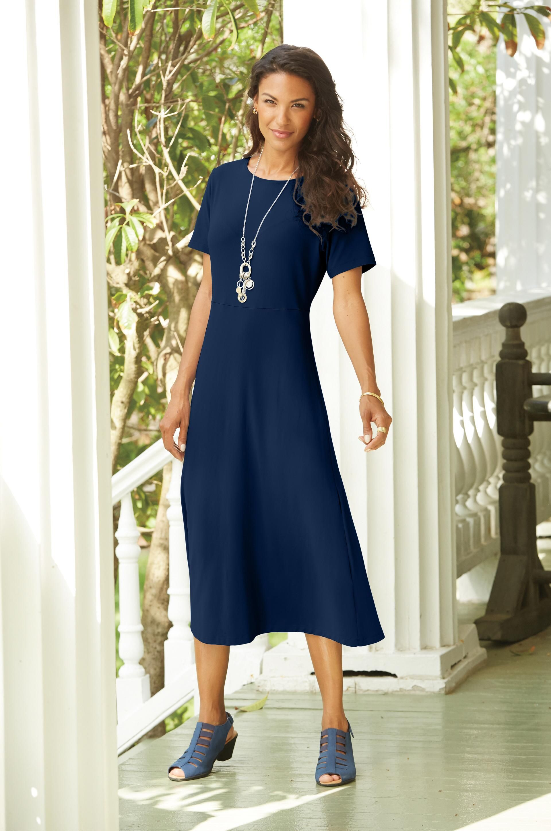 d55491ef6c8 Indispensable Short-Sleeve Basic Dress