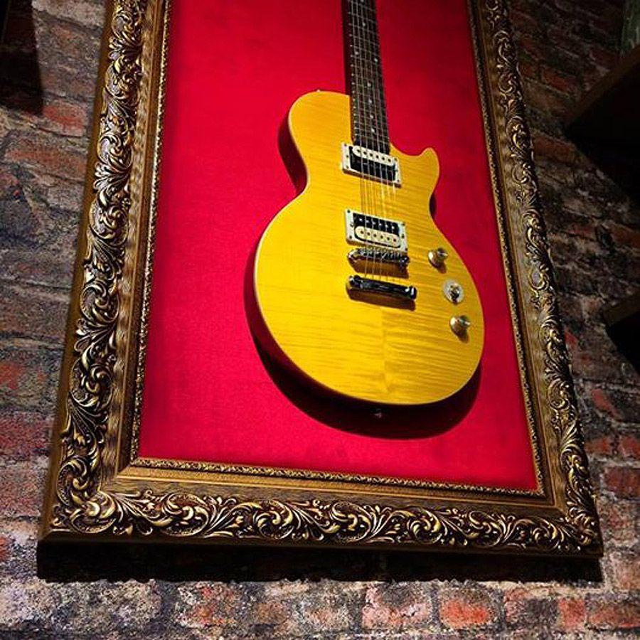 Quadro com guitarras by rvalentim
