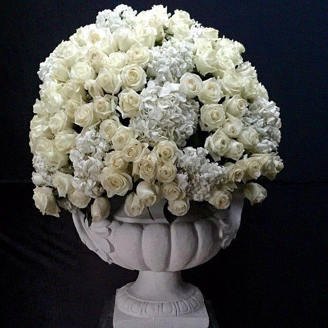 Is that a great urn? So Romantic @olivierdolzwedding #wedding #weddingplanner #flower #florist #doha #dubai #olivierdolz #olivierdolzwedding #weddingdecor #weddingconcept #weddingideas