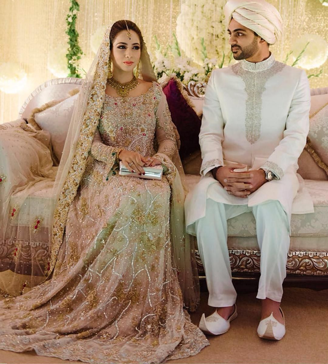 2dd9312b5084 Maria Madni dazzling in a lovely  AnsabJahangir  champagne  gold ...