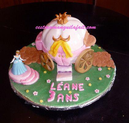 gâteau carrosse cendrillon 3d pâte a sucre | gateaux enfants
