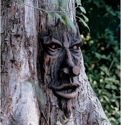 Scary Tree Man Face Outdoor Halloween Decoration Graveyard Prop