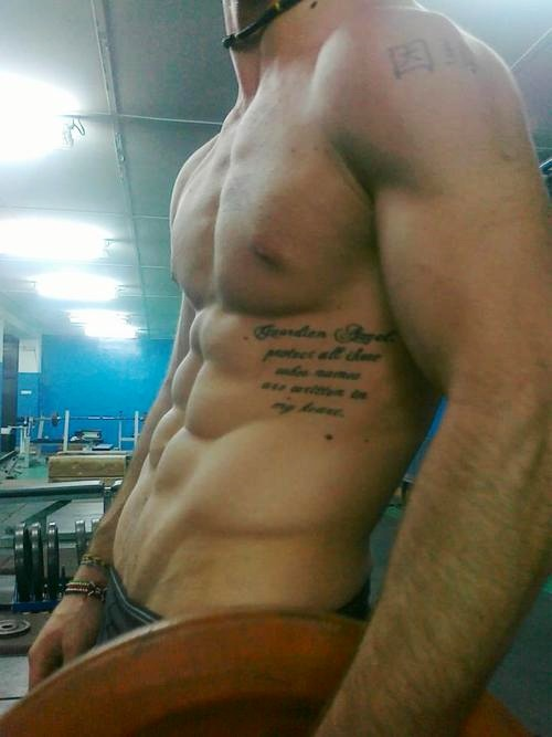 Hunk shows his chest