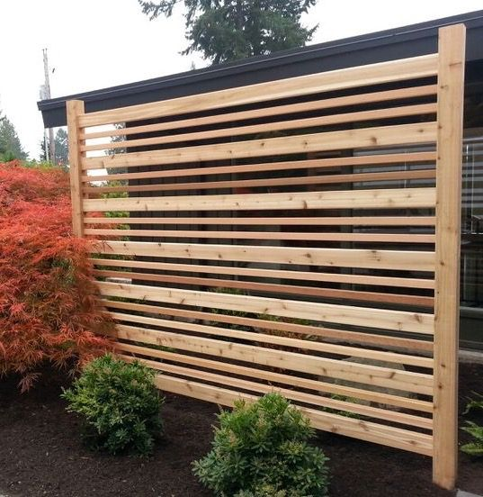 Diy Breezy Privacy Fence Cute To Enclose Trash Cans Or Hide The Hvac Unit Also Could Be Used As A Privacy Scr In 2020 Backyard Privacy Privacy Fence Designs Backyard