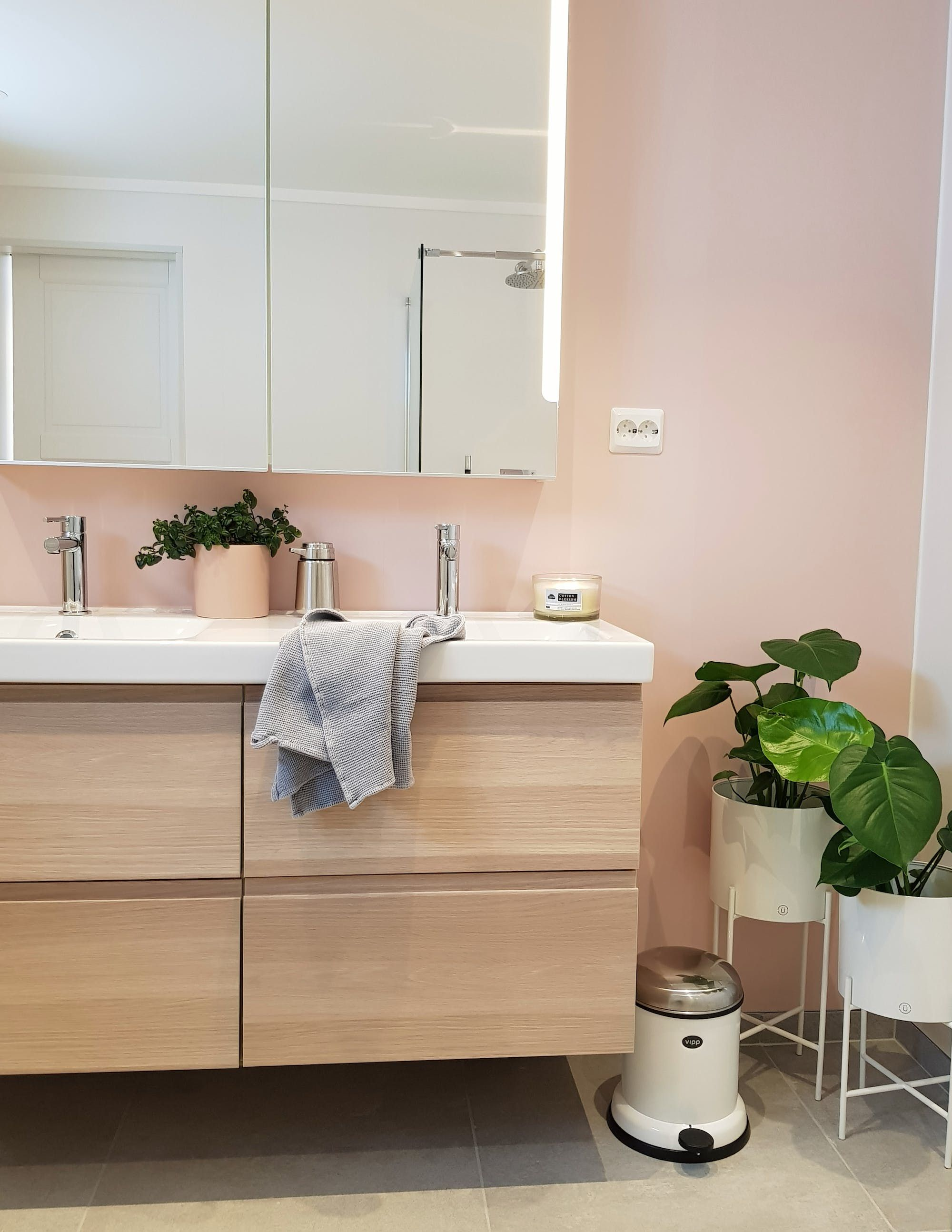 Scandinavian warm and cool tones bathroom inspiration also combining in this nordic home rh pinterest