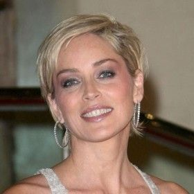 people Sharon Stone en 2019 Sharon stone, Cheveux