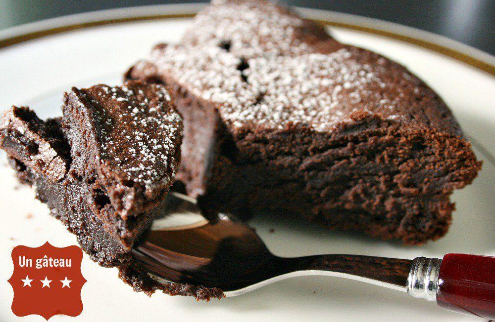 Recette le gâteau au chocolat sans beurre et sans sucre ...