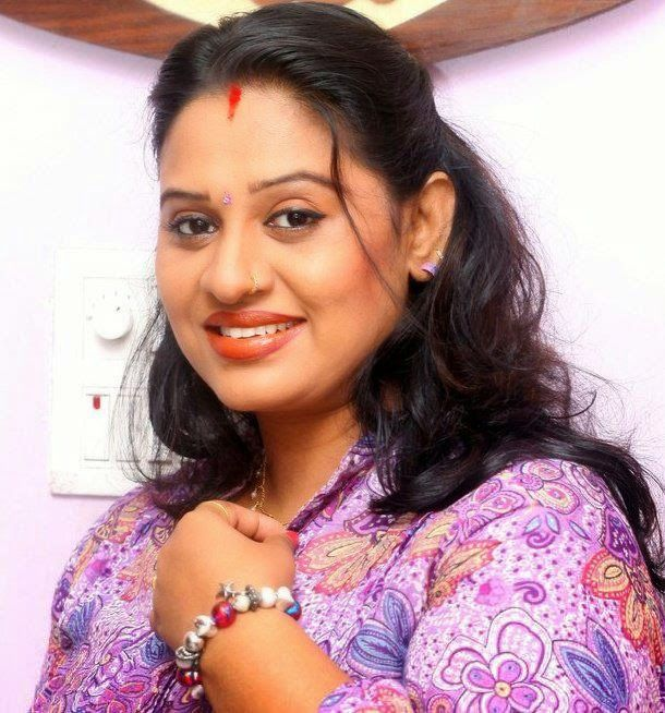 Beena Antony Hot Facebook Photos Mallu Serial Actress