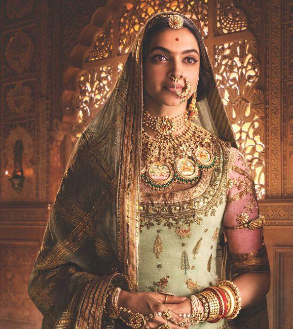 Deepika padukone in jewelry from her latest movie   manu ...