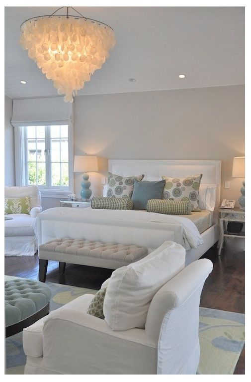 Swell Two Comfy Chairs Facing The Middle With A Tufted Large Squirreltailoven Fun Painted Chair Ideas Images Squirreltailovenorg