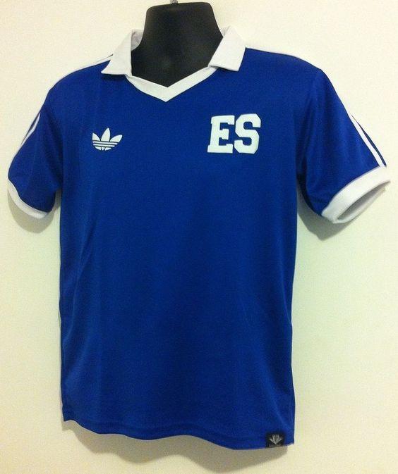 253c063c3 Desde Lanzera a Umbro  las camisas históricas de la selección salvadoreña