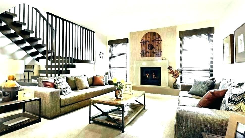 How To Decorate A Long Wall In Living Room Decorating A ...