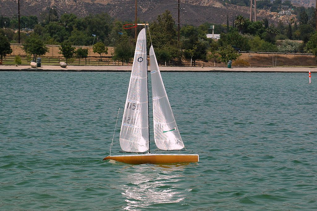 Us1m hansen dam rc sailboats pinterest for Hansen dam fishing
