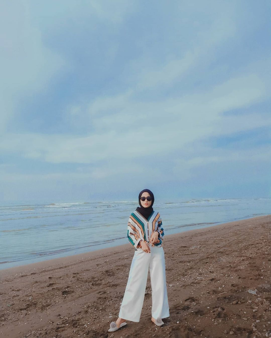 Baju Pantai Hijab Sederhana
