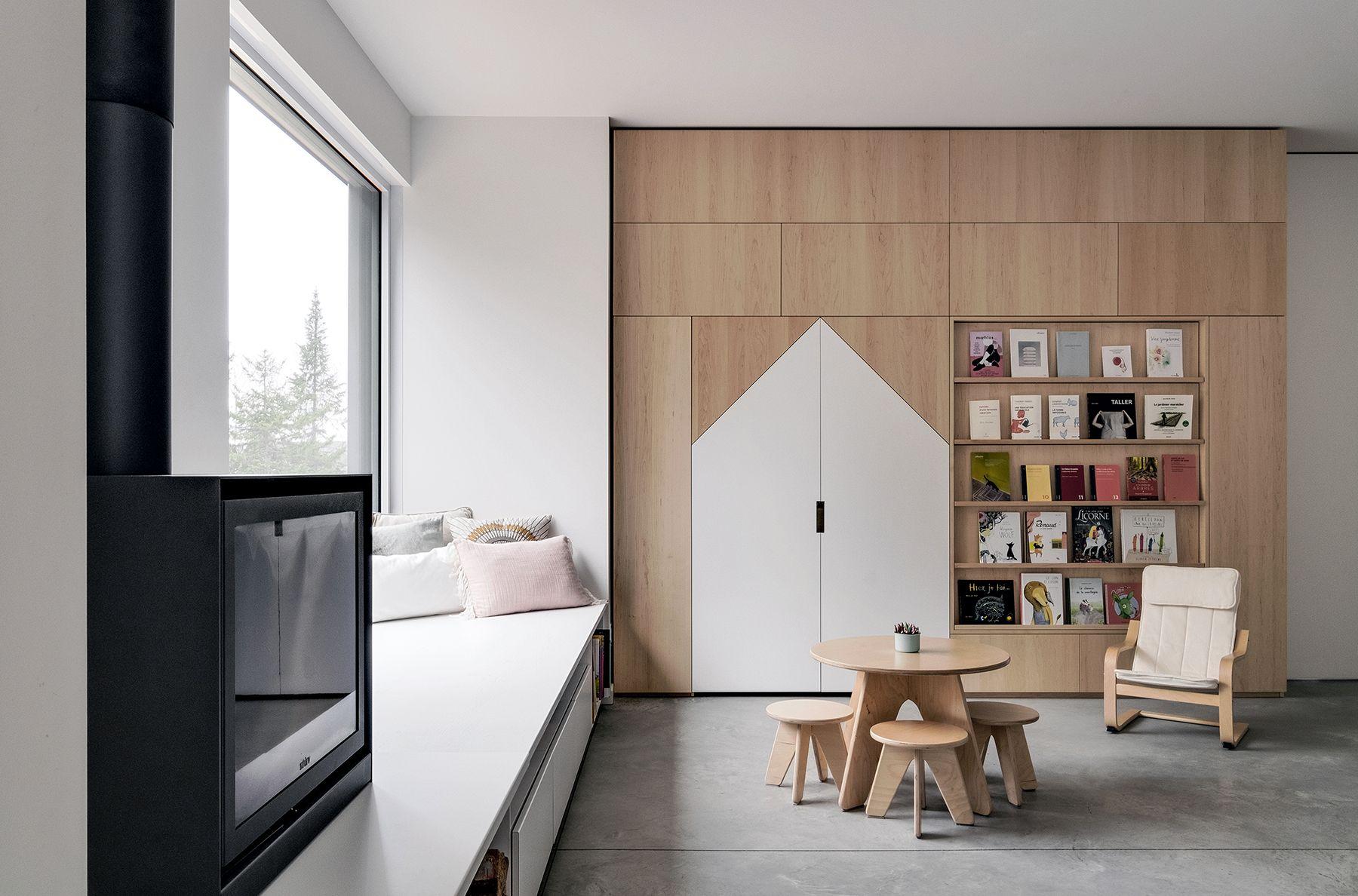 Quand Une Entreprise De Montreal Decide De Faire Des Meubles En Bois Local A L Ombre Des Geants Home Decor Home Furniture