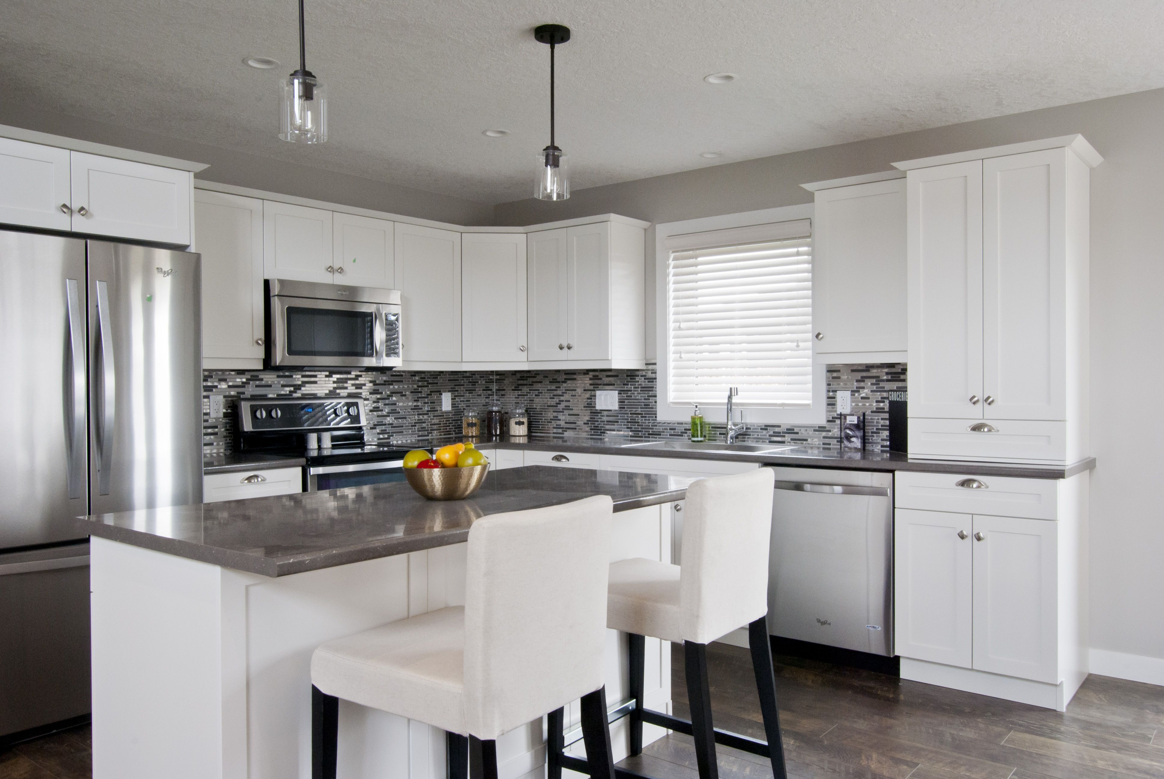 L Shaped Kitchen With Island Kitchen Remodel Small Kitchen Layout Kitchen Designs Layout