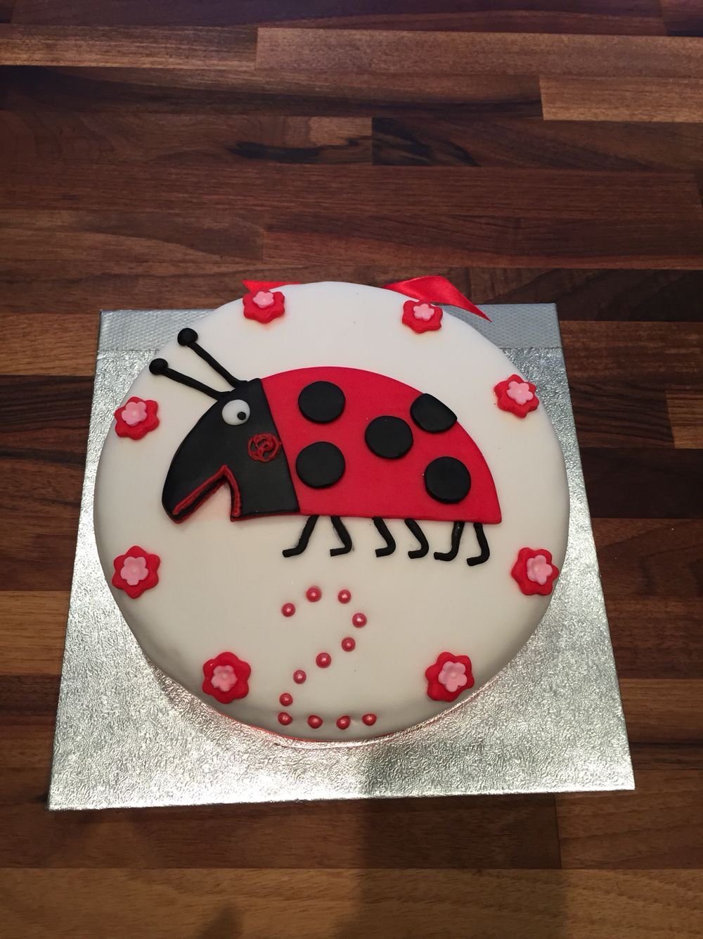 Gaston The Ladybird Cake Ben And Holly Easy Recipes