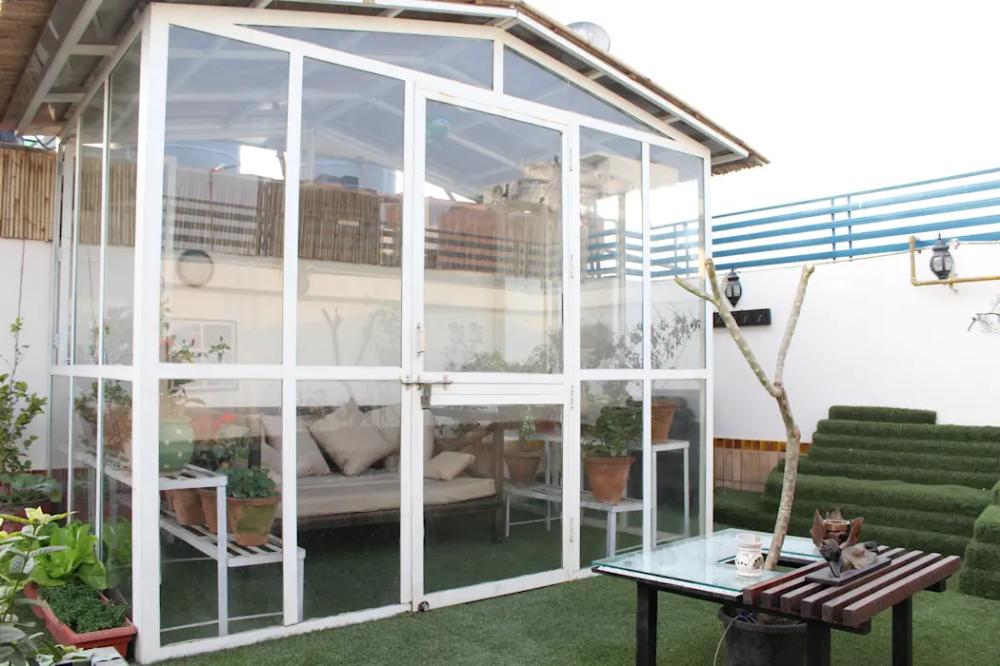 Terrace Garden At Defence Colony By Grecor Homify Terrace Garden Diy Pergola Terrace