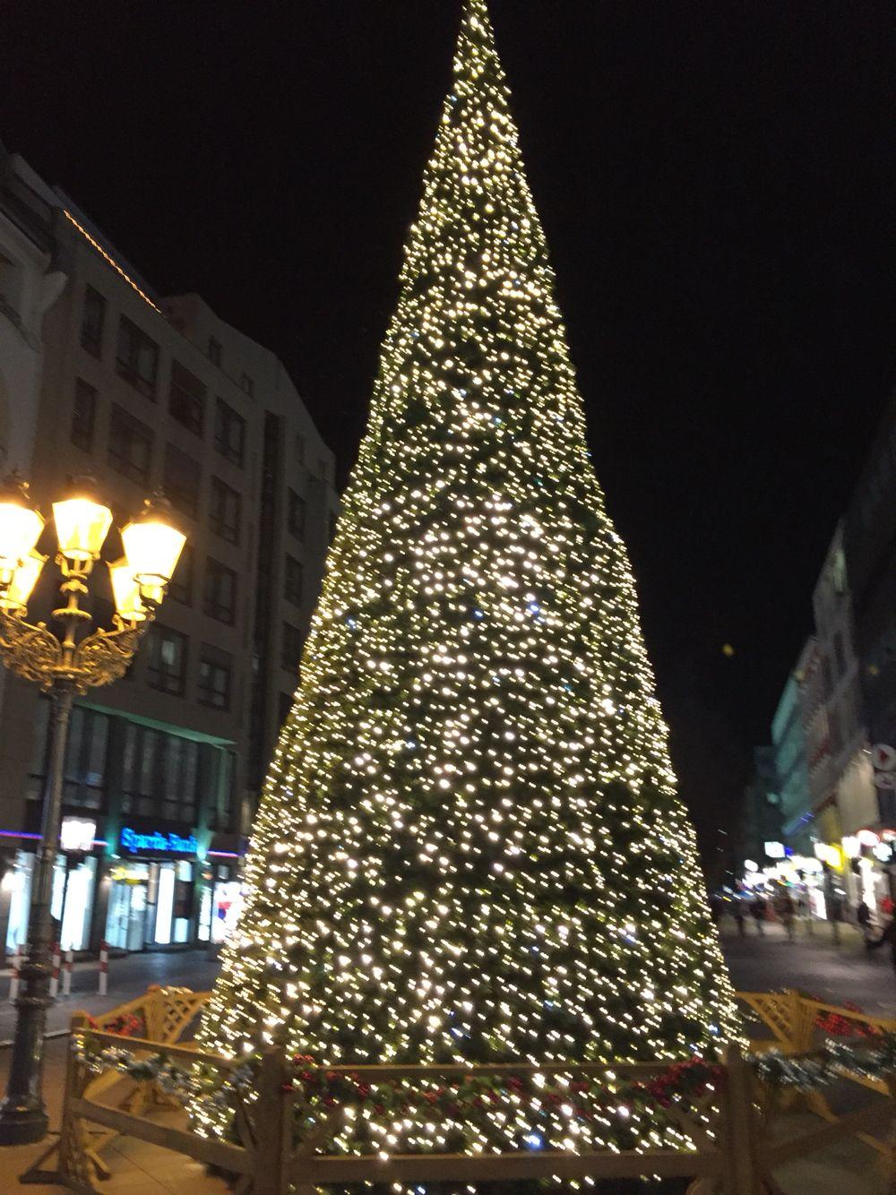 geschm ckter weihnachtsbaum weihnachten pinterest geschm ckter weihnachtsbaum. Black Bedroom Furniture Sets. Home Design Ideas