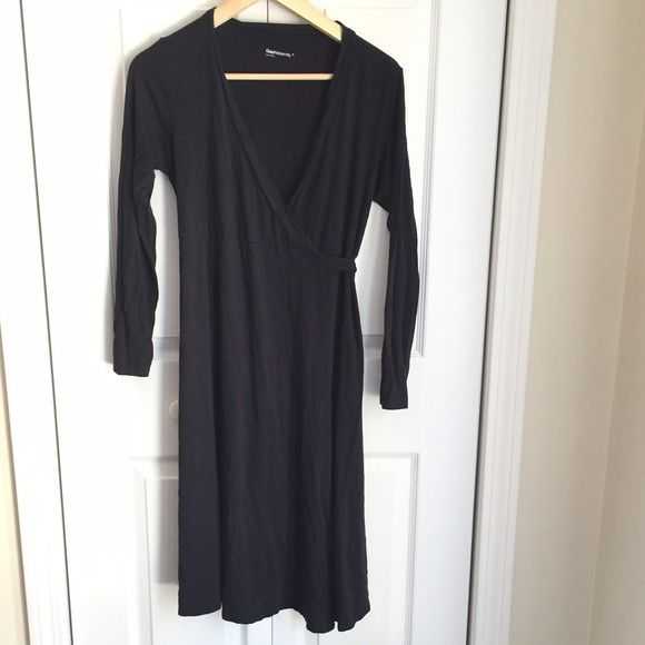 "50% off Gap maternity wrap dress Sz S Not sure it was ever worn. Black viscose rayon blend for soft comfort and wrap style with tie weaving through the front to the back  for the growing belly. 38"" long. Smoke free. a ask for a discounted maternity bundle! GAP Dresses"