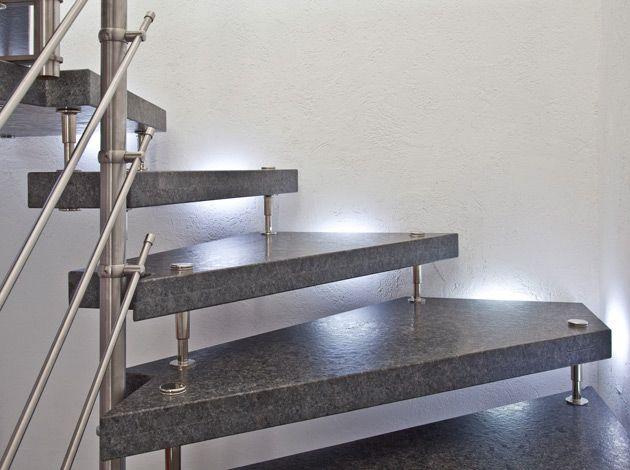 bolzentreppe aus steel grey naturstein oberfl che fein. Black Bedroom Furniture Sets. Home Design Ideas
