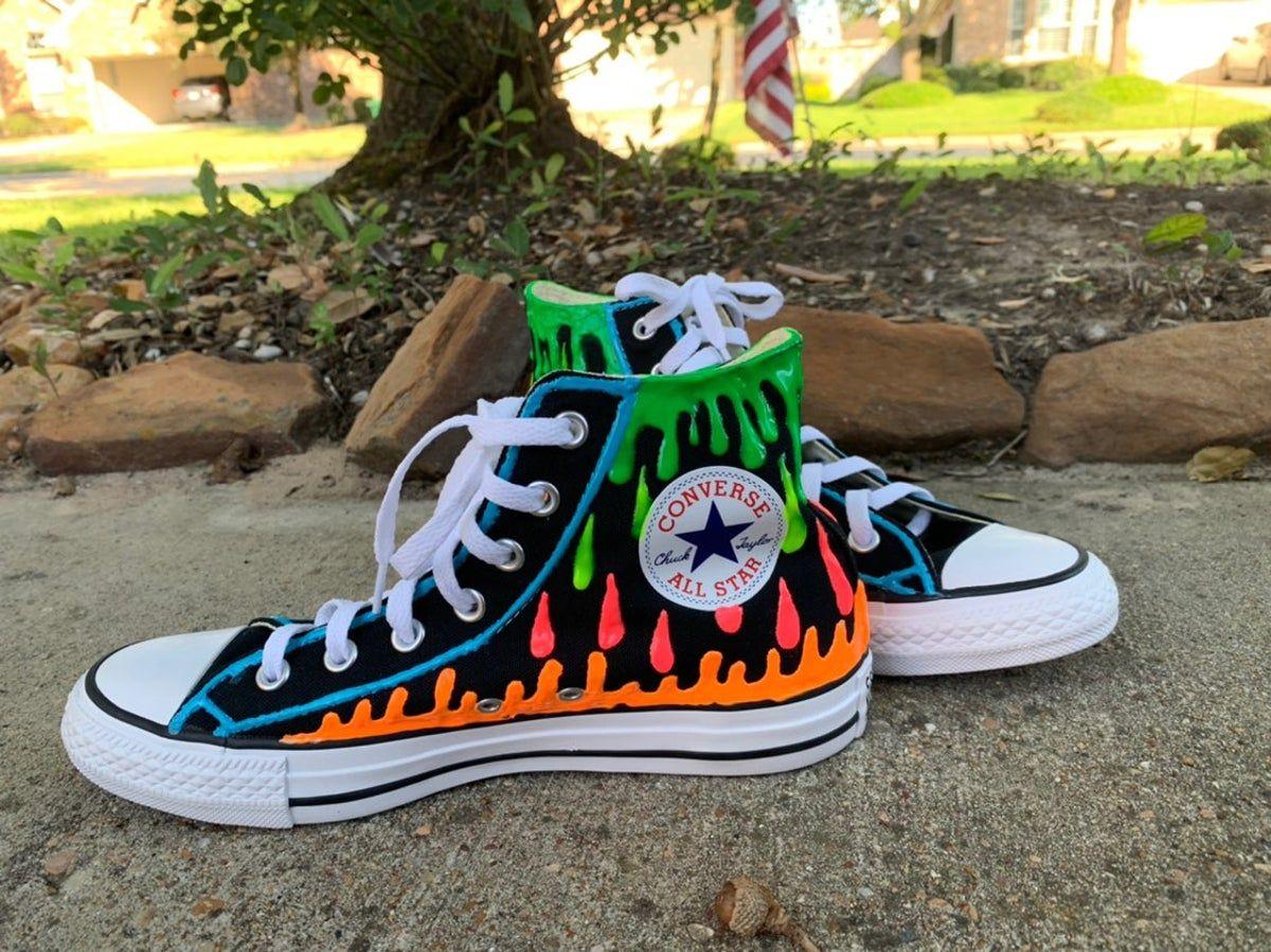 Custom painted converse in 2020