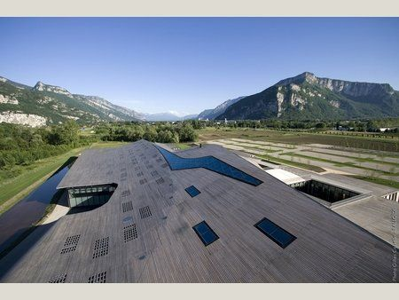 Rossignol's Mountain-Inspired Headquarters