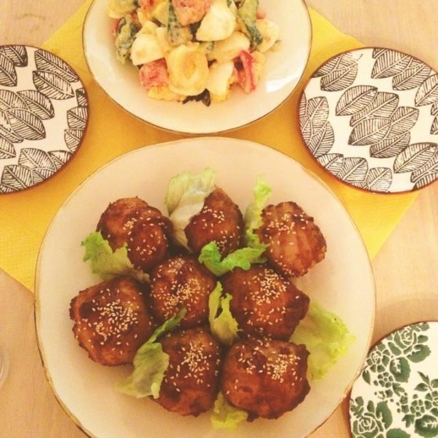 親戚からもらった、すりおろし玉ねぎやニンニクたっぷりの美味しい手作り焼肉ダレを絡めて(*^^*)♡ - 176件のもぐもぐ - 自家製焼肉ダレで肉巻きおにぎり、タラマヨサラダ。 by nikori