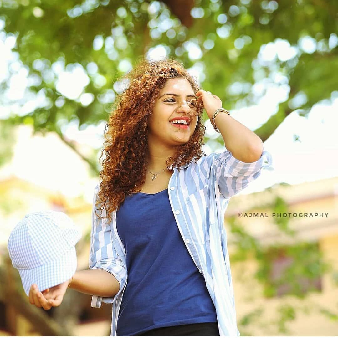 Noorin Shereef Follow Us Cinetimesmedia Noorin Shereef Cinetimesmedia Cinetime Indian Actress Photos Beauty Full Girl Indian Actress Hot Pics