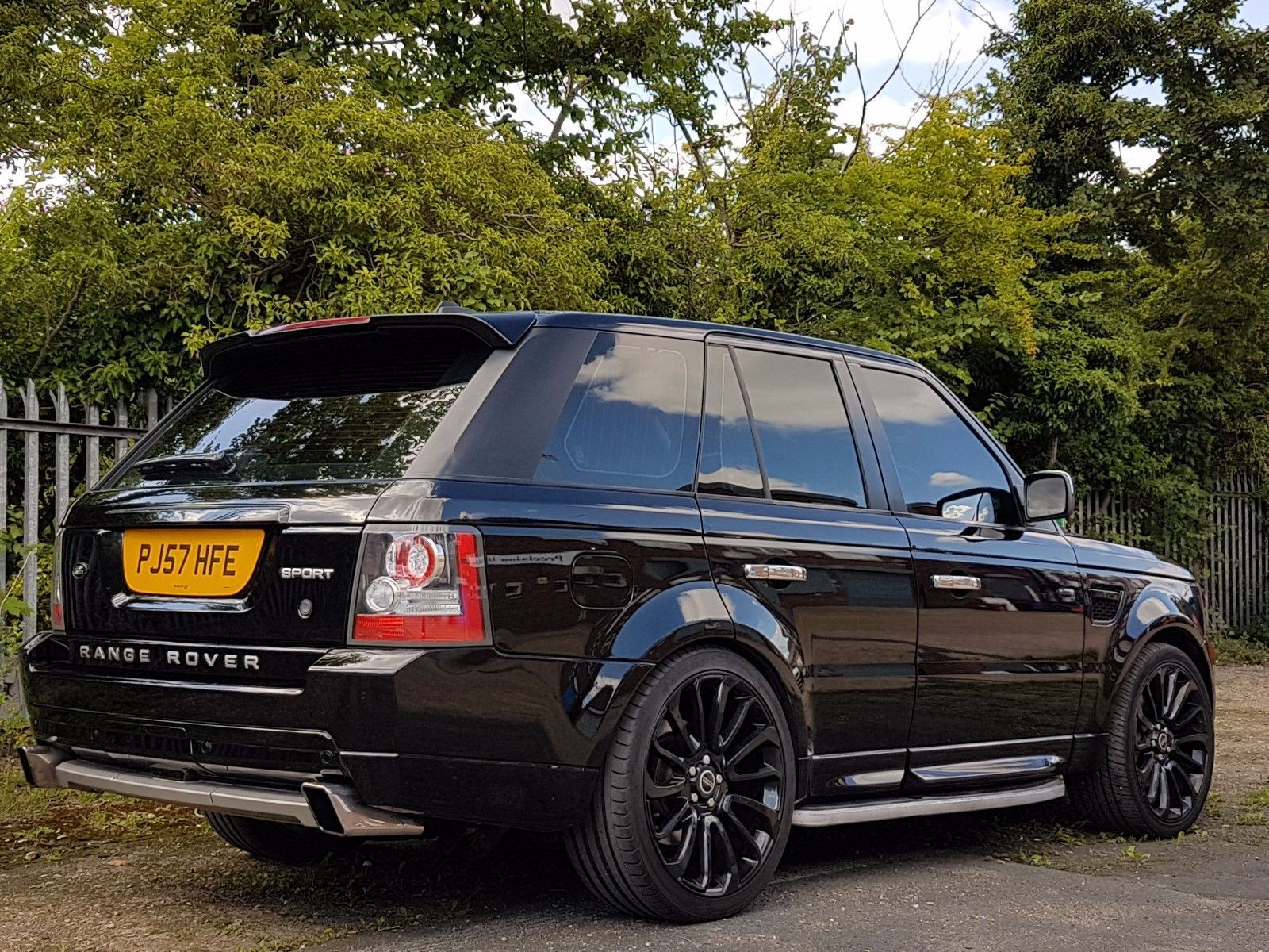 pin by richard priest on range rover range rover range rover sport twin turbo. Black Bedroom Furniture Sets. Home Design Ideas