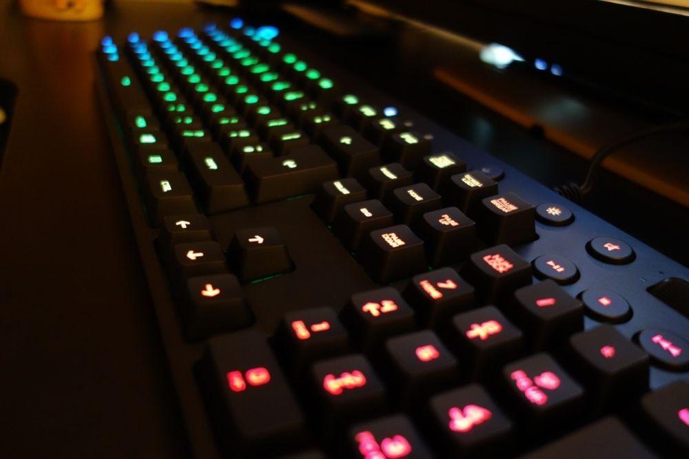 Logitech G810 Orion Spectrum RGB Mechanical Gaming Keyboard 920-007739