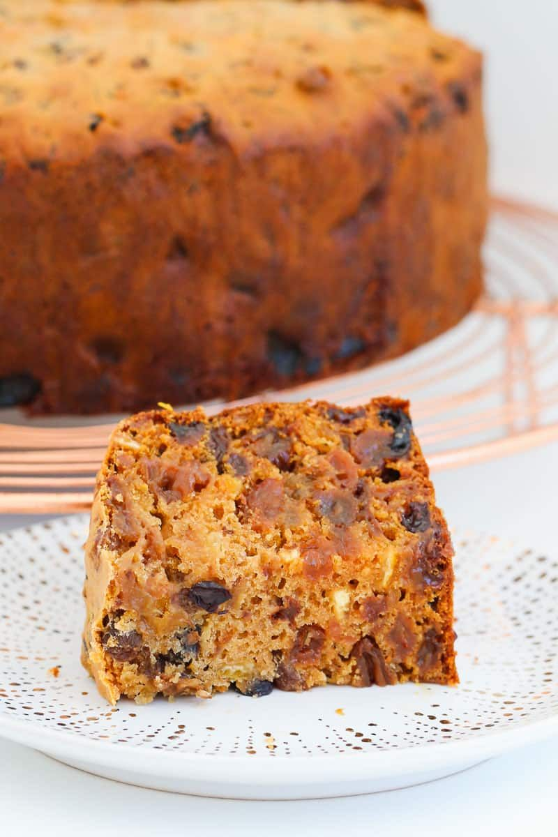 Introducing the famous 3 Ingredient Christmas Cake (fruit cake) made from mixed fruit, iced coffee and self-raising flour! Award winning, super easy and totally delicious! #3ingredient #christmas #cake #fruit #recipe #famous